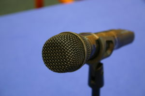 microphone-1501463-640x425